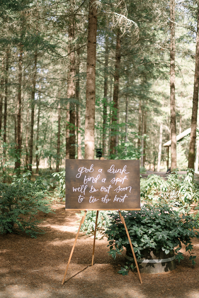 how to choose a wedding venue virtually / cute wedding ceremony sign
